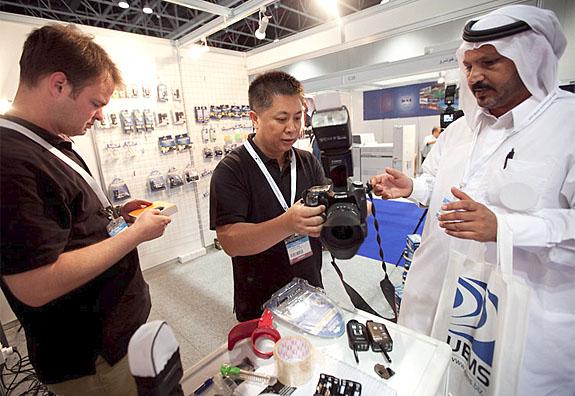 phottix team at tradeshow in dubai